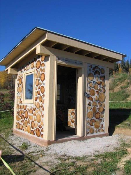 постройка из дров чурок