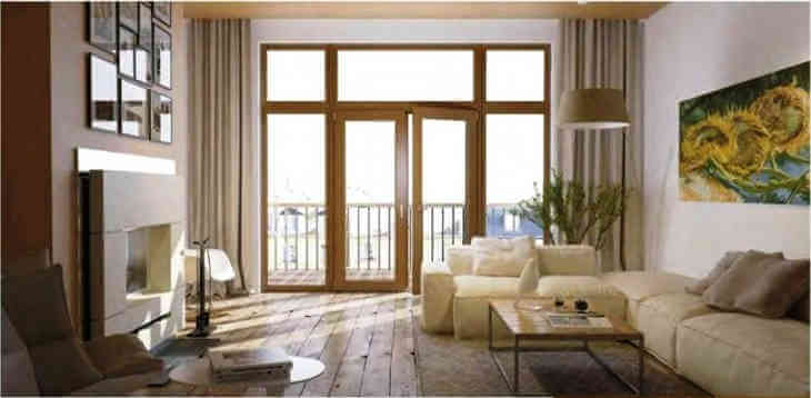 Окно и дверь в гостиной частного дома