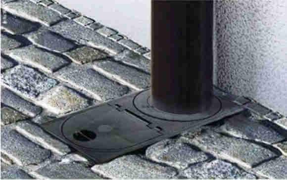 Дождеприемник водосточной системы крыши частного дома