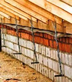 Крепление стропил крыши к стене