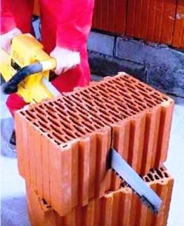 Блок из поризованной керамики для однослойной стены дома