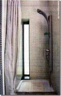 Душевая в нише с окном без кабины