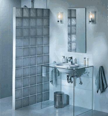 Перегородка из стеклоблоков в ванной для душа