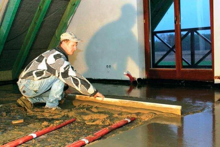 Стяжка плавающая - выравнивание цементного раствора