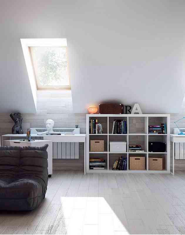 Дизайн комнаты дома с мансардным окном