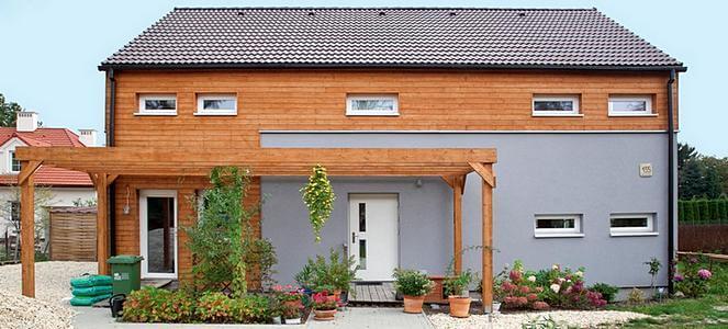 Фасад энергоэфективного частного дома с северной стороны. фото Мариуш Быковски