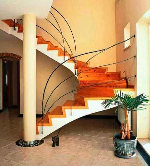 Монолитная бетонная лестница в частном доме