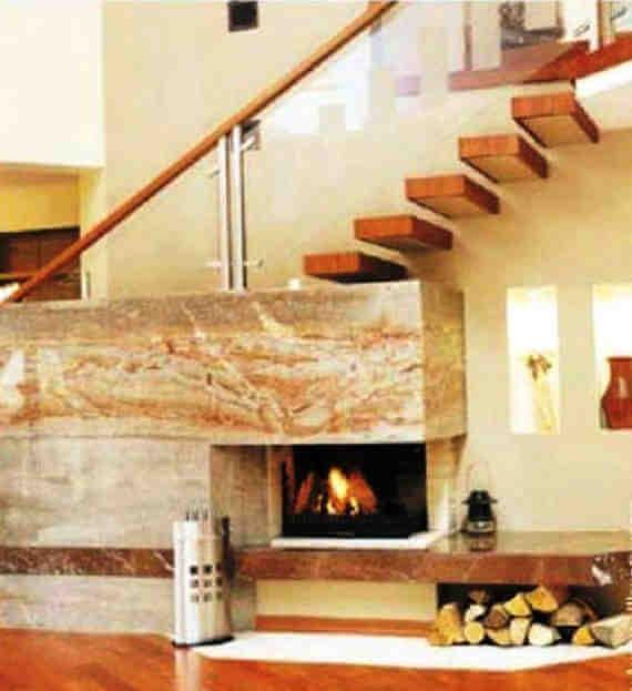 Лестница из монолитного железобетона с косоуром в плоскости стены