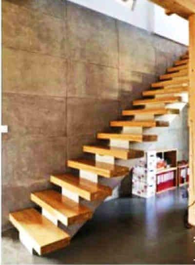 Монолитная железобетонная лестница с косоуром в частном доме своими руками