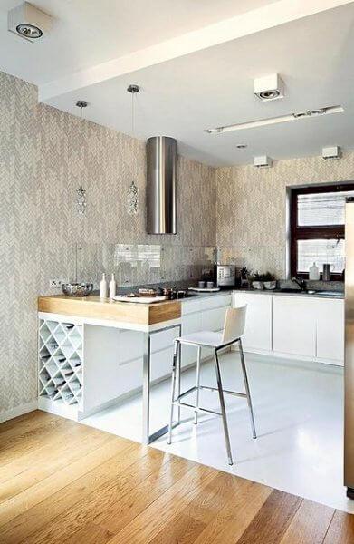 Интерьер открытой кухни студии в нише