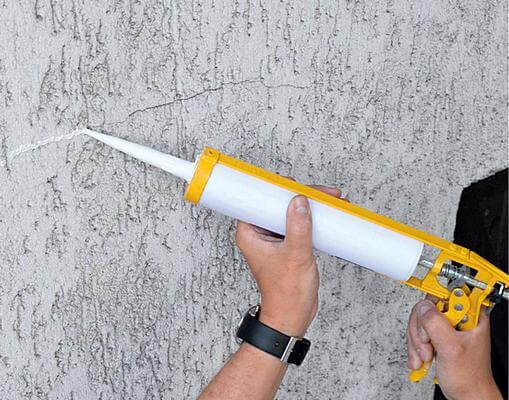 Ремонт ирещин тонкослойной штукатурки фасада