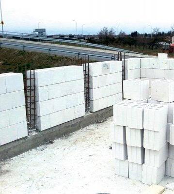 Минимальная толщина стен дома