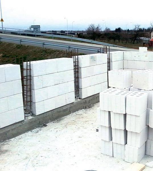 Вертикальное армирование стен из газабетона / газосиликата