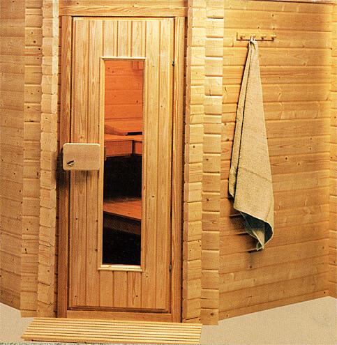 Кабинка бани сауны из бруса в ванной комнате квартиры или частного дома