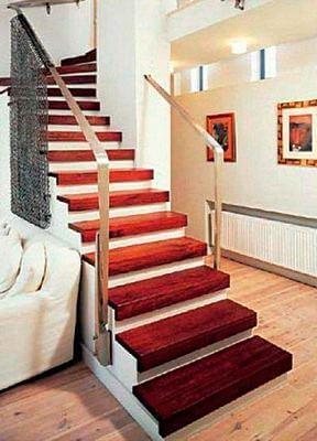 Лестница бетонная с отделкой ступеней деревом
