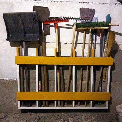 хранение лопат и садового инструмента